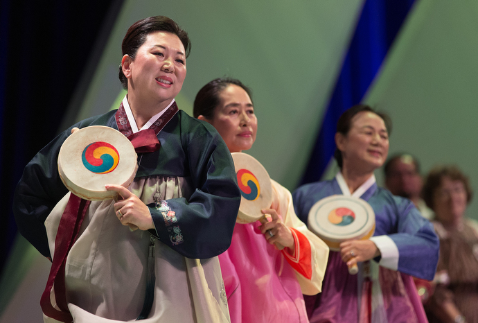 Korean traditional dancers help open the assembly. Photo by Mike DuBose, UMNS.