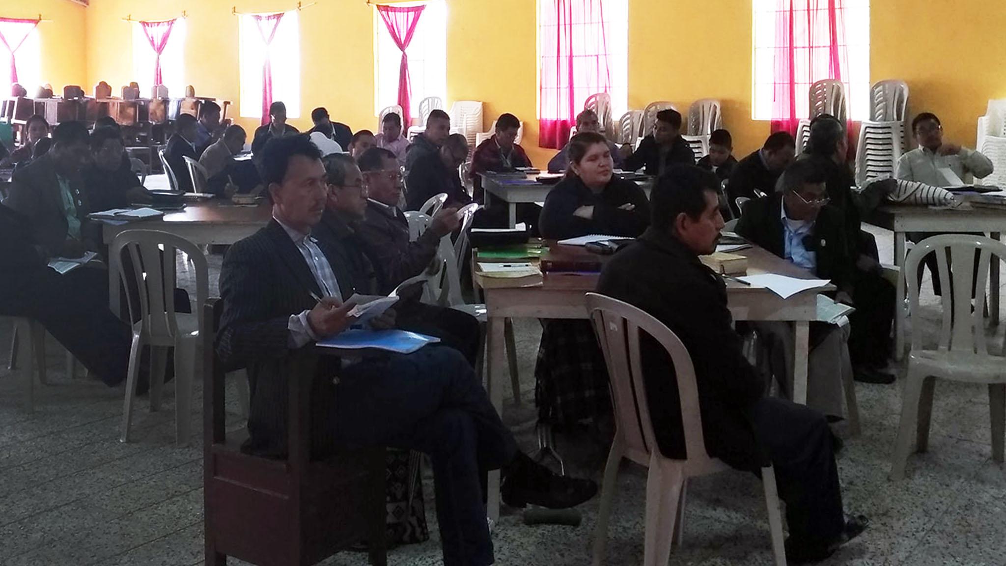 Atiendieron al entrenamiento 48 participantes, miembros de la Junta Ejecutiva Nacional, laicos/as y pastores/as, mujeres, hombres, jóvenes y juveniles, de los distritos 1 al 8, de la región de Santa Cruz del Quiché, Chichicastenango, Totonicapán y Quetzaltenango