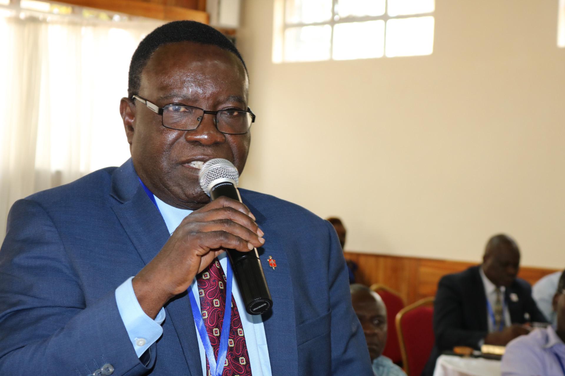 L'évêque Kasap Owan Tshibang, membre fondateur de l'Initiative Afrique, s'adresse aux délégués de la Conférence générale et aux évêques réunis à Nairobi, au Kenya, pour leur formation. Photo de Julu Swen, UMNS.
