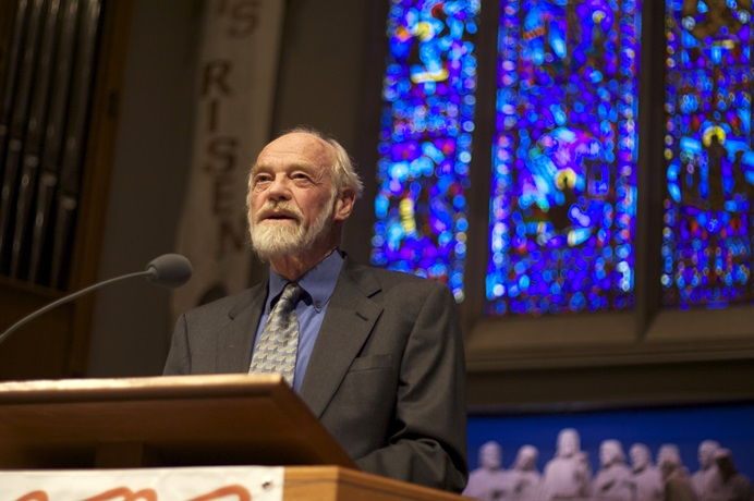 The Rev. Eugene Peterson lectures at University Presbyterian Church in Seattle. The scholar and pastor's influence extends far beyond his home denomination. 2009 file photo by Clappstar, courtesy of Wikimedia Commons.