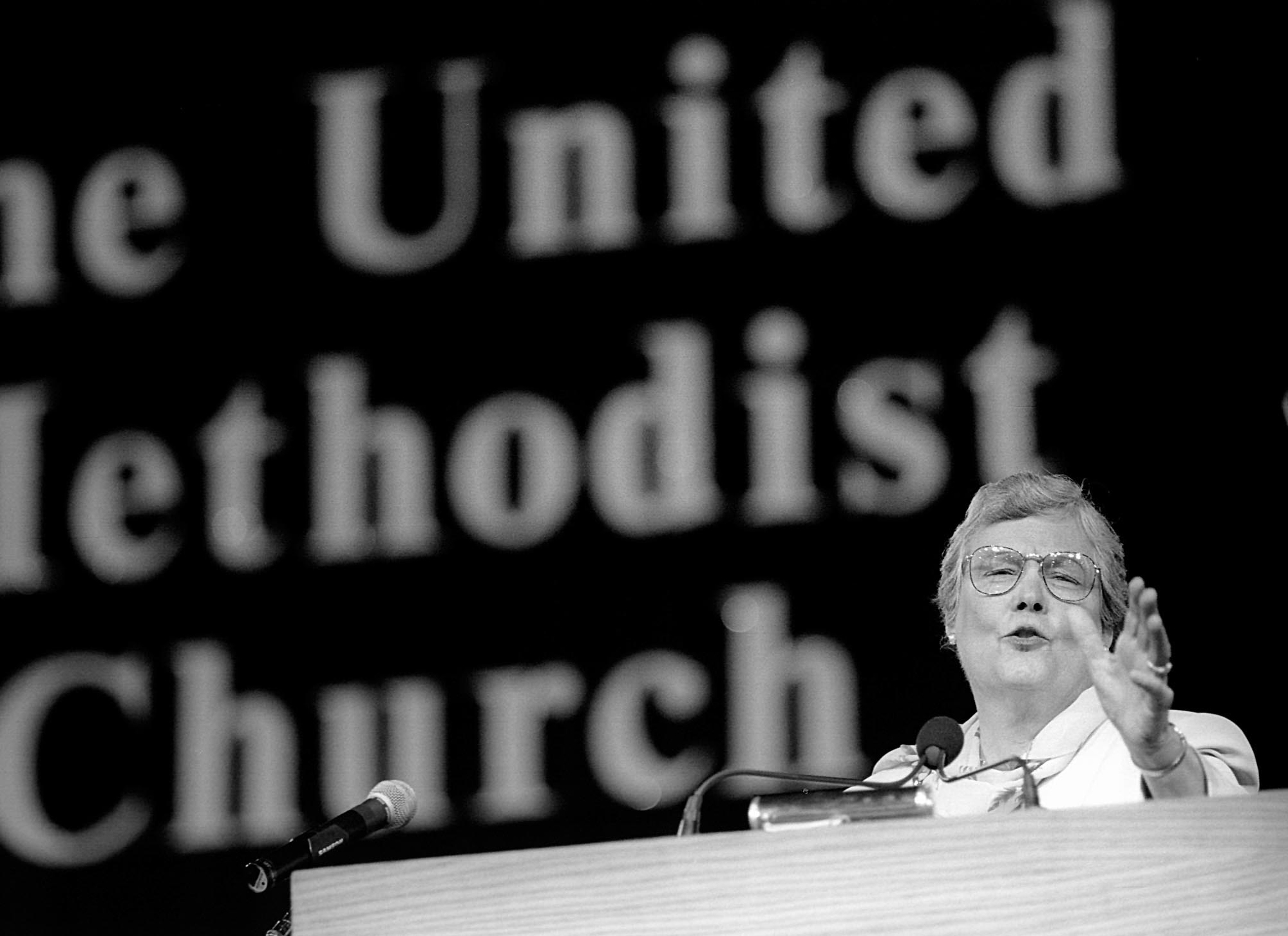 Bishop Judith Craig delivers the Episcopal Address at the 1996 United Methodist General Conference in Denver. Craig was the first woman invited by the Council of Bishops to give the address. File photo by Mike DuBose, UMNS.