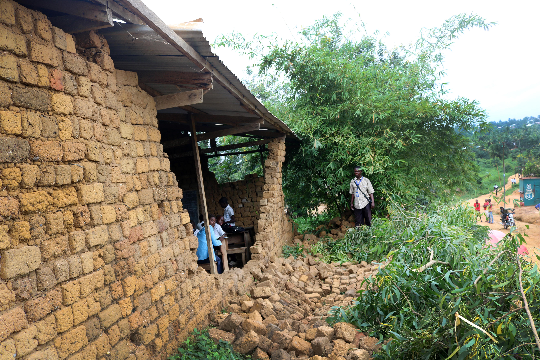 Students work in a storm-damaged classroom at Lufungula Institute, a United Methodist school in Kindu, Congo. Photo by Chadrack Tambwe Londe, UMNS.