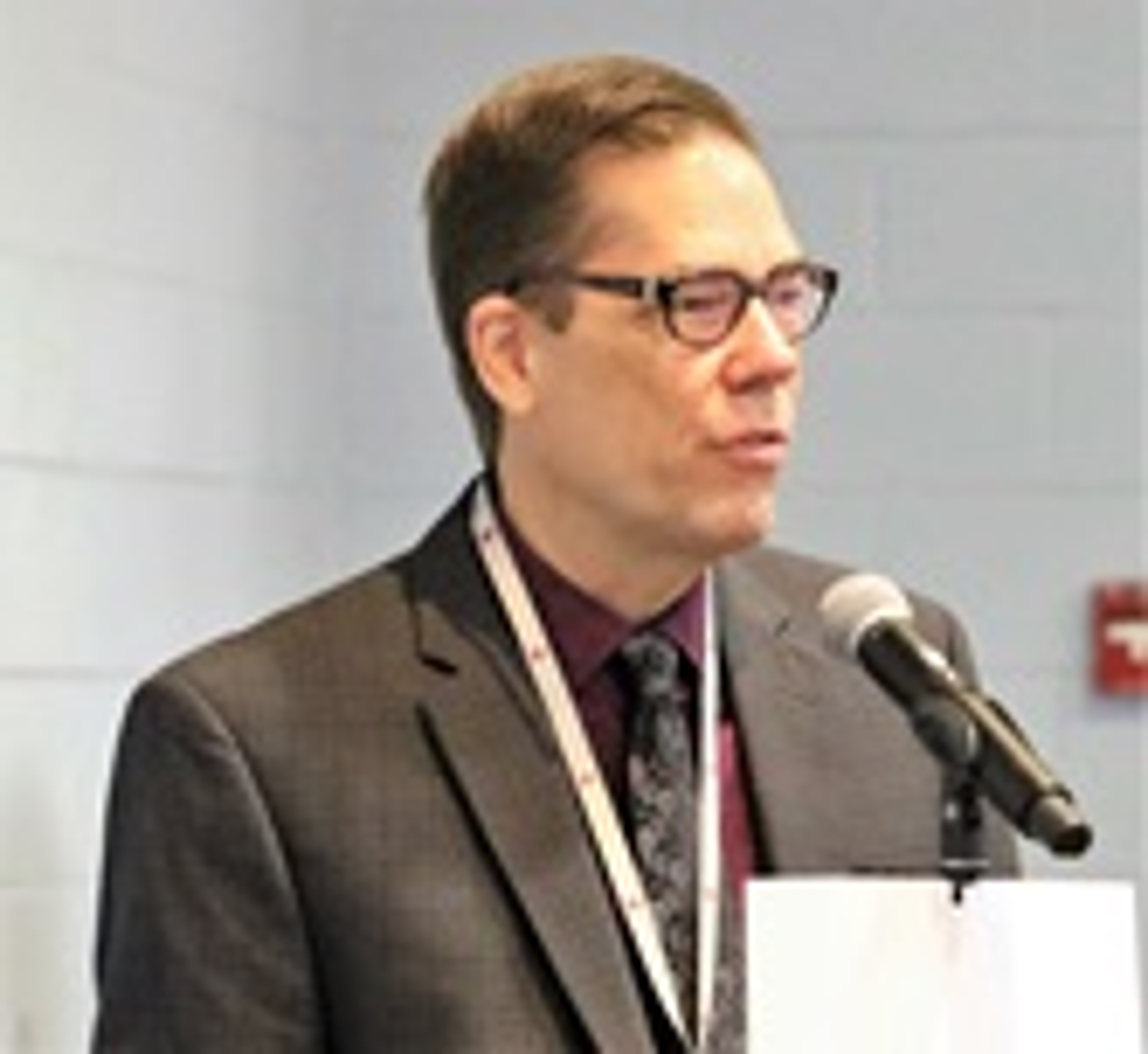 토마스 램브렉트 목사가 2018년 11월 아틀란타 근교의 베델연합감리교회에서 열린 웨슬리언약협회 모임에서 발언하고 있다. 사진 김응선 목사, UM News.
