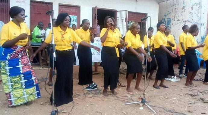 Une chorale de femmes Méthodistes Unies pendant le colloque sur la paix et l'unité des chrétiens à Uvira, Congo. Photo de Philippe Kituka Lolonga, UM News.