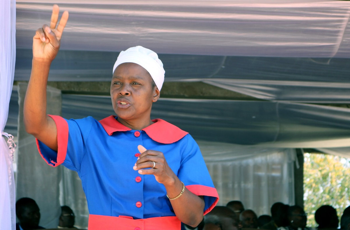 Spiwe Mhere interprets for the hearing impaired during The United Methodist Church's annual women's convention at Clare Camping Ground in Rusape, Zimbabwe, in August 2018. The church is trying to be more welcoming to the hearing impaired by training pastors and church members in sign language. File photo by Eveline Chikwanah, UM News.