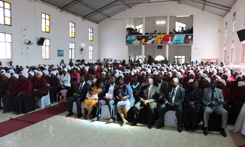 Fiéis da Metodista Unida durante o culto de encerramento da Conferência Distrital de Mulheres de Maputo Sul. Foto de Keith Leonel Sambo