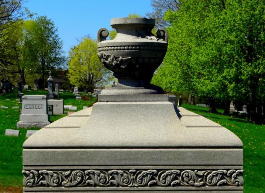 La Biblia no habla de cremación versus entierro, pero generalmente asume que los cuerpos serán enterrados. Foto por MaryW, cortesía de Pixabay.