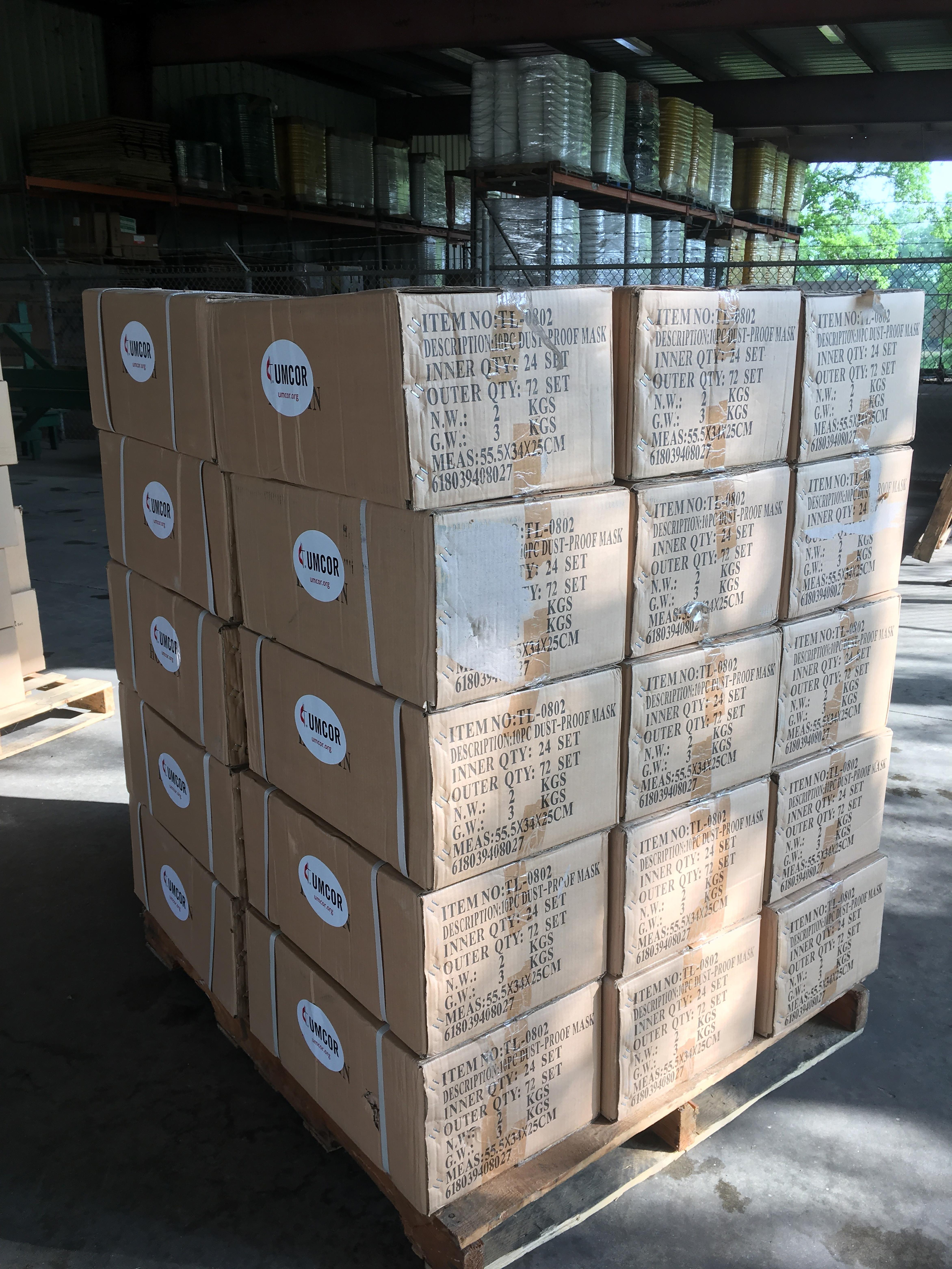Los kits con suministros de emergencia, se están utilizando para apoyar y proteger a los socorristas y personal médico que están en la primera línea de atención a pacientes del COVID19. Foto por Amy Fuselier, GBGM.